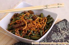 Nóri mindenmentes konyhája: Zöldbabos, szezámos sertés csíkos tészta villámgyorsan