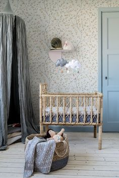 Rustic Nursery Room Ideas: Aesthetic & Characterful Decorating Style with Richness of Natural Colors & Textures Nursery Room, Girl Nursery, Kids Bedroom, Baby Room, Bedroom Wall, Bedroom Decor, Rustic Nursery, Nursery Neutral, Woodland Nursery