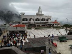 #fog #indiana temple #jai mata di #jammu #kashmir #vasno devi temple