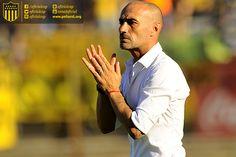 #Peñarol 4-0 #Rentistas   Aplausos para el debut de #Paolo