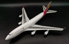 (176.00$)  Watch now - http://aijfs.worlditems.win/all/product.php?id=32764605922 - Special Fine BBOX 1: 200 Asiana Airlines Boeing 747-400F aircraft model Alloy aircraft model Collection model