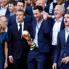 Elysee16 Champion Du Monde Foot, France Football, Men Dress, Dress Shoes, Brigitte Macron, Champions, Loafers Men, Oxford Shoes, Russia