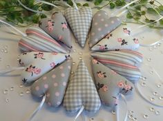 10 Stoffherzen in grau-rosa-weiß von Steinhoff-Design auf DaWanda.com