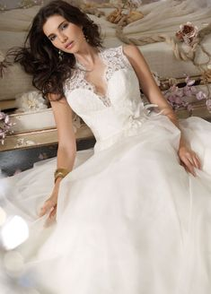 Bridal Gowns, Wedding Dresses by Jim Hjelm - Style - Wedding dress of my dreams! Jim Hjelm Wedding Dresses, Used Wedding Dresses, Wedding Dress Styles, Bridal Dresses, Wedding Gowns, Flower Girl Dresses, Bridesmaid Dresses, Lace Weddings, Organza Bridal