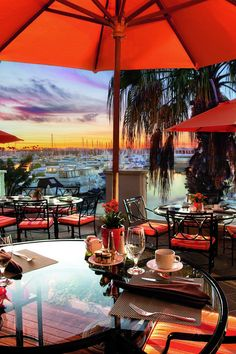 Set on the waterfront of a small-craft marina, the Ritz-Carlton is a traditional stay done in typical clubby Ritz-Carlton fashion with marble and dark woods in public spaces. | The Ritz-Carlton, Marina del Rey (California) - Jetsetter