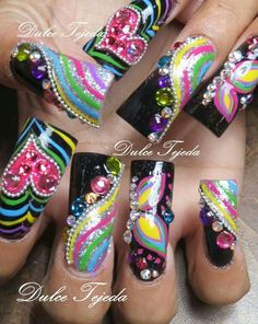 Sinaloa Style nails. Uñas larguísimas. Buchonas. Uñas estilo Sinaloa