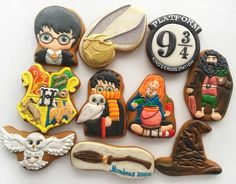 Harry Potter Cake, Harry Potter Birthday, Biscuit Cookies, Cake Cookies, Garri Potter, Golden Snitch, Cookie Time, Cookie Desserts, Cookie Decorating