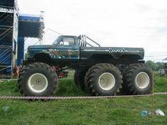 Monster mud trucks   monster mud trucks   Have you seen this 6×6 Ford monster truck before ...