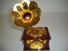 Caixinha De Música E Porta Joias Formato Gramofone Vitrola - R$ 36,90 no MercadoLivre