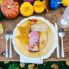 Happy Thanksgiving, fragrance fans!
