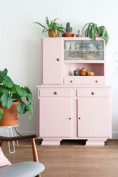 MY ATTIC SHOP / roze buffetkast / pink dresser / vintage Photography: Marij Hessel www.entermyattic.com