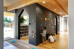 Stunning Kids Playground Design Idea 155 A good office interior design will make you feel comfortable to do your daily job. Today an office interior design is important too as same as a home interior. When people don't like their workpl Kindergarten Interior, Kindergarten Design, Office Interior Design, Office Interiors, Design Maternelle, Daycare Design, Playground Design, Learning Spaces, Kids Corner