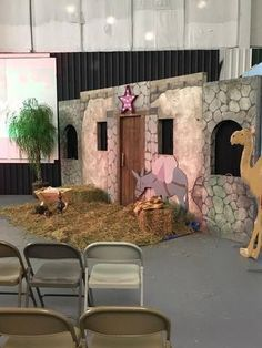 Children's Ministry Christmas Decorating Ideas Christmas Stage Design, Church Christmas Decorations, Ward Christmas Party, Christmas Scenery, Christmas Backdrops, Church Stage Design, Christmas Program, Christmas Nativity Scene, Christmas Pageant