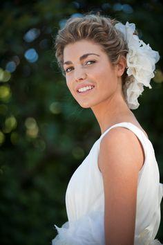Traje de novia de Teresa Palazuelo. Fotografía: Jaime Boira. Fuente: www.teresapalazuelo.com/BLOG/12-consejos-para-novias-de-mayte-lucas-estilista/