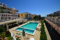 Продается квартира-студия с фронтальным видом на море в престижном р-не Мар Азуль в Торревьехе! Квартира в хорошем состоянии, продается с мебелью