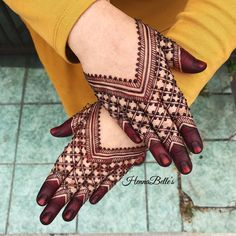 Just Browse here and see the Latest Ideas & Designs of Mehndi to make your hand and finger more beautiful. Henna Hand Designs, Dulhan Mehndi Designs, Mehandi Designs, New Bridal Mehndi Designs, Mehndi Designs Finger, Mehndi Designs Feet, Indian Henna Designs, Mehndi Designs Book, Mehndi Designs For Girls