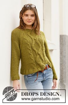 Ravelry: Mossy Twine pattern by DROPS design Aran Knitting Patterns, Knit Patterns, Knitting Gauge, Free Knitting, Drops Design, Pull Torsadé, Knitted Poncho, Cable Knit Sweaters, Pulls
