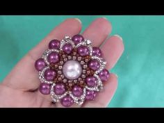 Diy uma Linda Borboleta de Cristais Para CHINELOS e TIARAS - Maguida Silva - YouTube Tutorial Colar, Necklace Tutorial, Tutorial Diy, Bead Loom Patterns, Beading Patterns, Loom Beading, Bead Embroidery Jewelry, Beaded Embroidery, Jewelry Making Tutorials