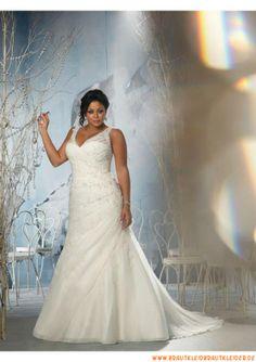 V-ausschnitt Schlichtes Brautkleid 2013 aus Softnetz mit Applikation
