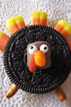 Oreo Turkeys | 23 Adorable Thanksgiving Desserts That Kids Will Love