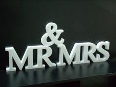 Cartel Mrs & Mr  Polyfan De 3cm Espesor - $ 120,00 en Mercado Libre