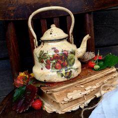 """Купить Чайник """"Клубничное варенье"""" - чайник, клубника, винтаж, чайник ручной работы, чайник заварочный"""