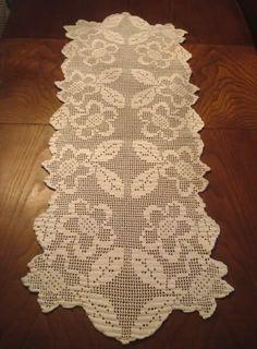naperons de pano | Pano para mesa de sala feito em crochet...