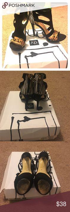 Nice heels animal print Pretty good looking animal print heels used a few times still n good shape😱😱😱 ‼️‼️MAKE A OFFER‼️‼️ Dolce Vita Shoes Heels