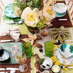 Nuestras expertas en decoración te proponen una forma original de combinar vajillas, cristalerías, cubiertos y manteles. Inspírate en ella para presentar una mesa… ¡de revista!