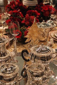 ❊ Christmas Time ❊ /Christmas tea at Tiffany's NYC Elegant Christmas, Noel Christmas, Christmas And New Year, All Things Christmas, Beautiful Christmas, Christmas Table Settings, Christmas Tablescapes, Christmas Decorations, Holiday Tables