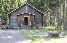 Lähes kaikkiin museoalueen rakennuksiin pääsee myös tutustumaan sisälle.  Oulu (Finland)