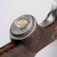 Pistol Grippe cap #Guellert engraver. #pistolgripcap #doublerifle #büchsenmacher #gunsmith #gold
