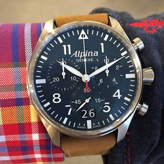 Aaaahhh take a look at the Alpina Startimer Chrono Big Date with the Petroleum blue dial! Wonderful! Thank you @danieljardemar and @jalmersur for the photo
