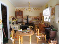 My doll house - The kitchen - Mi casita de muñecas -  La cocina