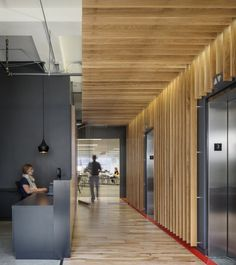 Interior Design Wood Walls Fresh Fice tour Inside Synapse S Seattle Fices – Modern Corporate Office Design Wood Slat Ceiling, Wood Slats, Wood Slat Wall, Architecture Restaurant, Architecture Design, Corporate Interiors, Office Interiors, Commercial Interior Design, Commercial Interiors