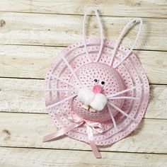 No egg hut or Easter celebration would be complete without an Easter bonnet! Here are a round up of the seven cutest Easter bonnet ideas out there. Easter Hat Parade, Easter Bunny, Easter Bonnets, Easter Arts And Crafts, Bunny Face, Diy Ostern, Easter Colors, Coloring Easter Eggs, Easter Party