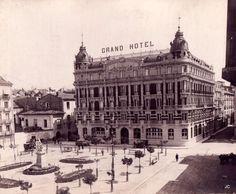 """#Pamplona #Navarra. La Plaza de San Francisco y el edificio de """"La Agrícola""""."""