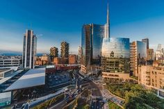 Una delle zone sicuramente più moderne di #Milano Piaccia oppure no è davvero una gran zona ora! #milanodavedere Foto : @mitaka_neverdead Milano da Vedere