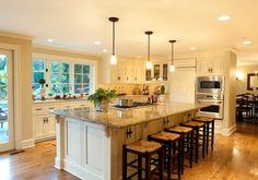 Isla cocina con mucho espacio, clásica