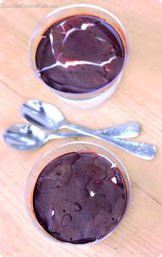 {high protein & low calorie} Chocolate Coconut Pudding Cups: http://chocolatecoveredkatie.com/2014/04/29/mounds-bar-chocolate-pudding-cups/