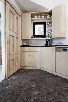 Küche Davos, Kitchen Cabinets, Home Decor, Decoration Home, Room Decor, Kitchen Base Cabinets, Dressers, Kitchen Cupboards, Interior Decorating