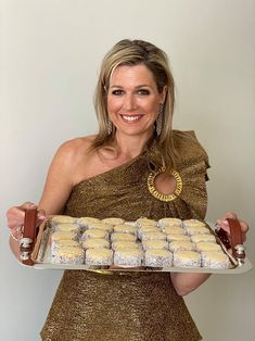 Alfajores, Máxima's favorite cookies Dutch Recipes, Sweet Recipes, Baking Recipes, Cookie Recipes, Limoncello, Baking Bad, Biscuits, Mother Recipe, Kolaci I Torte