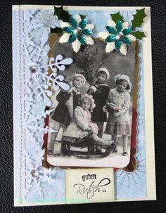 Nostalgische Weihnachtskarte,  Kinder im Schnee