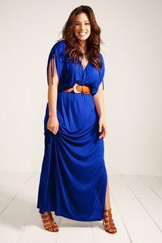 Royal blue maxi dress (Plus Size Fashion) - dark brown or black belt and sandals. Dress Plus Size, Plus Size Maxi Dresses, Plus Size Outfits, Tunic Dresses, Curvy Girl Fashion, Plus Size Fashion, Womens Fashion, Image Fashion, Mode Plus