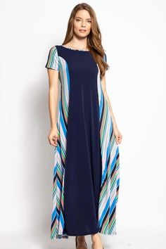A Sizes: Small / Medium / Large Breezy summer maxi dress Polyester Spandex Navy/Teal / Black Snake / Navy Pink split Measurements: SIZE USPS Quick Shipping 2 to 7 daysReturns Day money back guarantee split Trendy Dresses, Elegant Dresses, Women's Dresses, Summer Maxi, Summer Pool, Dress Making, Clothes For Women, Teal, Spandex