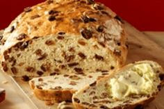 Recept voor Krentenbrood van oliebollenmix - Koopmans.com Dutch Recipes, Pastry Recipes, Low Carb Recipes, Bread Machine Recipes, Bread Recipes, Potpourri, Piece Of Bread, Bread And Pastries, Sweet Bread