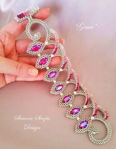 """""""Grace"""" bracelet ©Simona Svezia Design Tutorial and bracelet available on my Etsy shop: https://www.etsy.com/it/shop/PerlineeBijoux For info contact me on my Facebook page: https://www.facebook.com/simona.svezia.design/"""