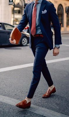 Navy Blue Suit with red tie http://www.99wtf.net/men/mens-fasion/african-mens-clothes/