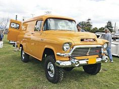 old trucks chevy Old Pickup Trucks, Lifted Chevy Trucks, Gm Trucks, Diesel Trucks, Cool Trucks, Chevy 4x4, Gmc 4x4, Small Trucks, Dodge Diesel