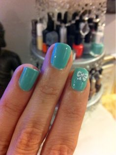 Essie Turquoise and Caicos Joby Nail Art Tiffany inspired manicure